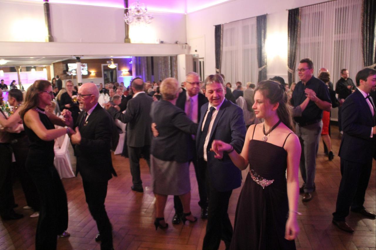 Tanzen und Gutes tun