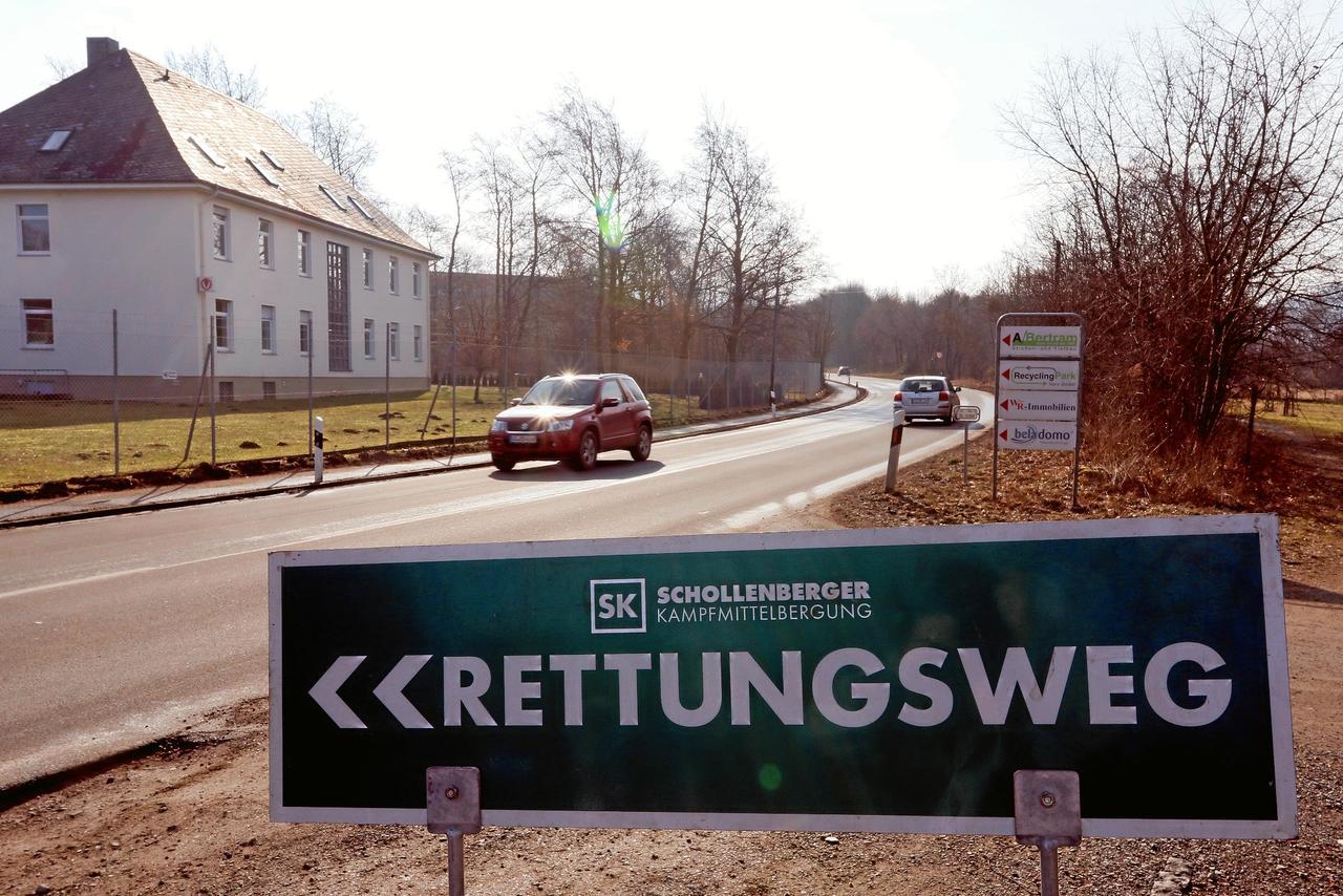 Präventive Rettungsweg-Schilder am Fliegerhorst