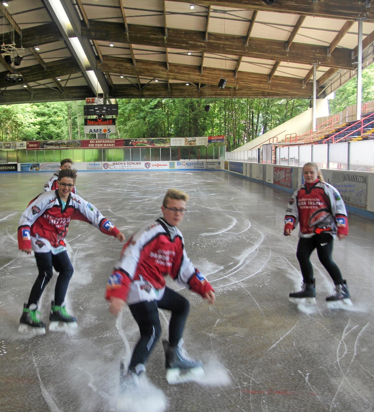 Eisstadion öffnet am Dienstag wieder