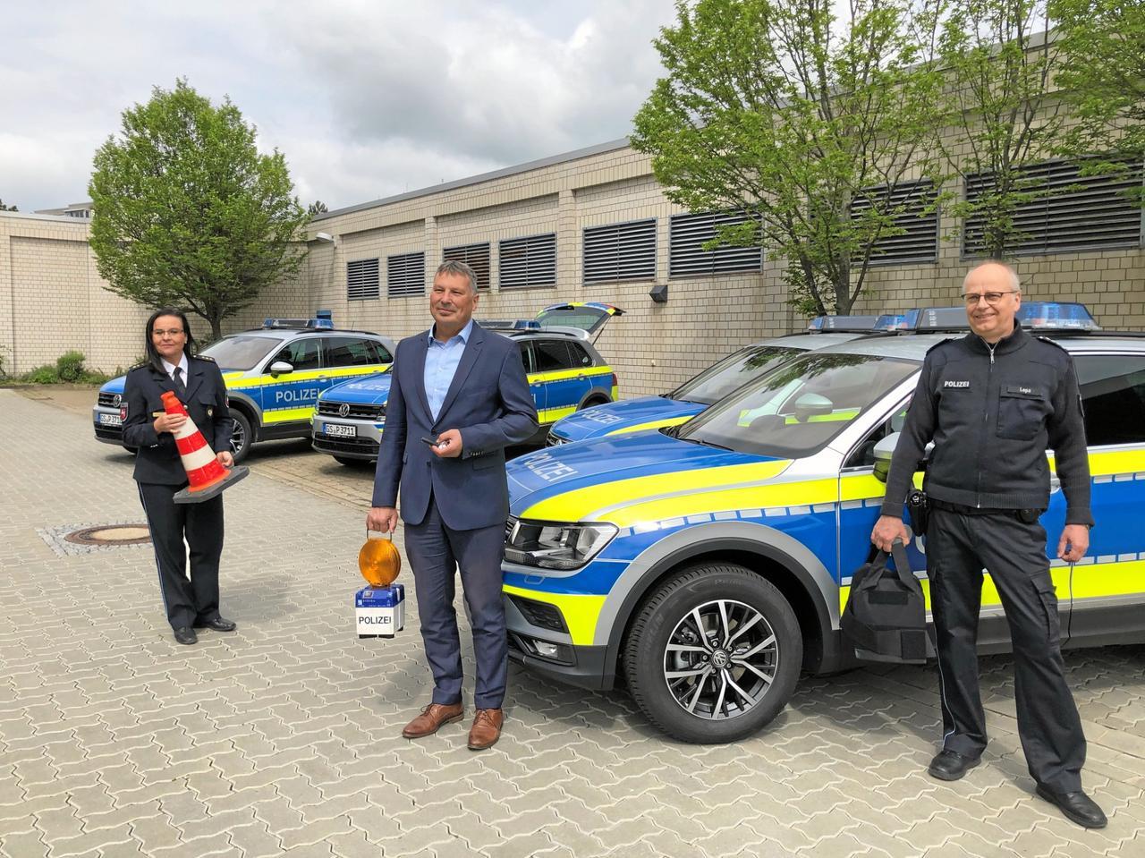 Geländegängige Autos für die Polizei