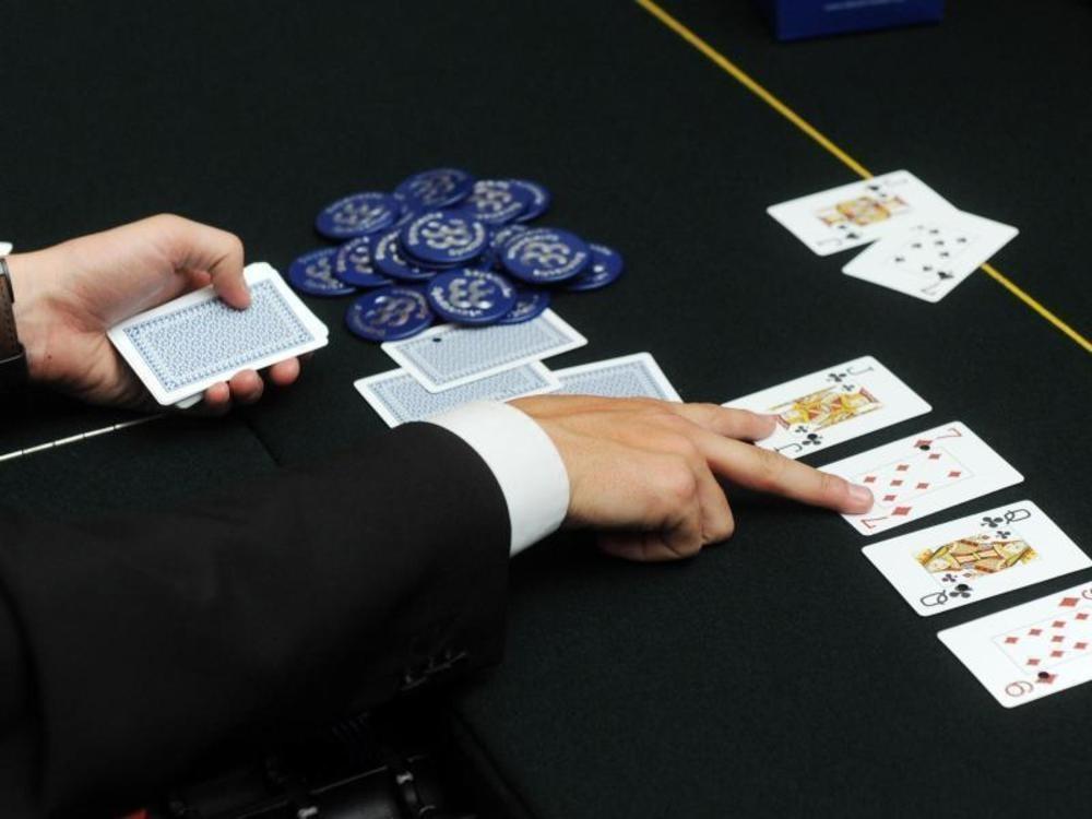 Computer blufft Poker-Profis aus