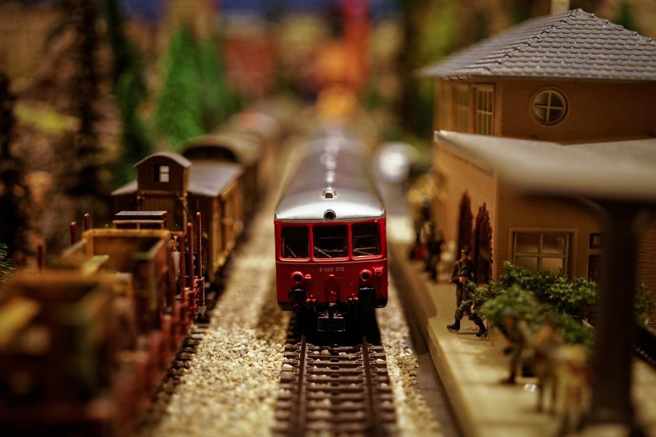 Eisenbahner stellenModellanlagen aus