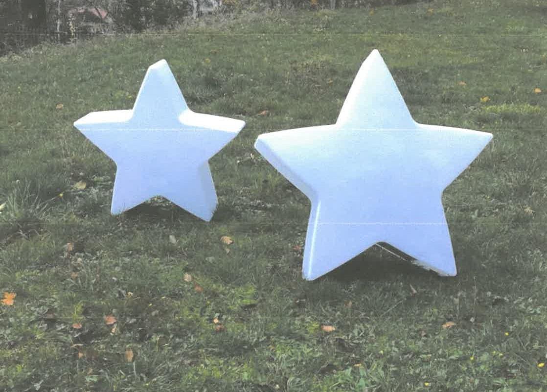 Unbekannte stehlen Deko-Sterne