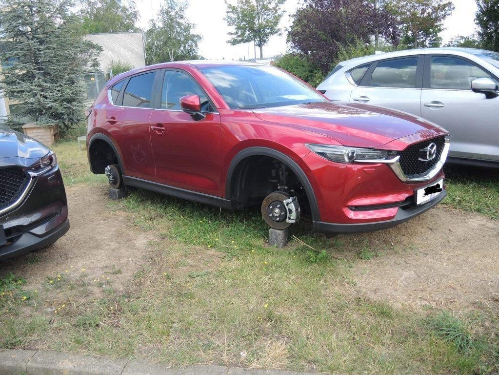 Kompletträder von Mazda entwendet