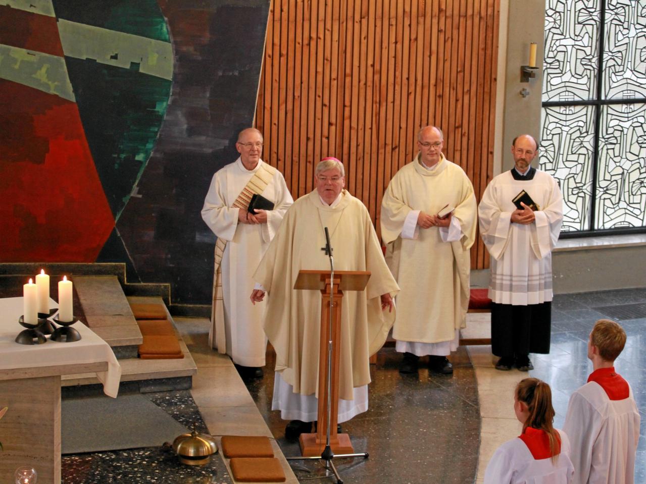 Bischof Bongartz in der Liebfrauenkirche