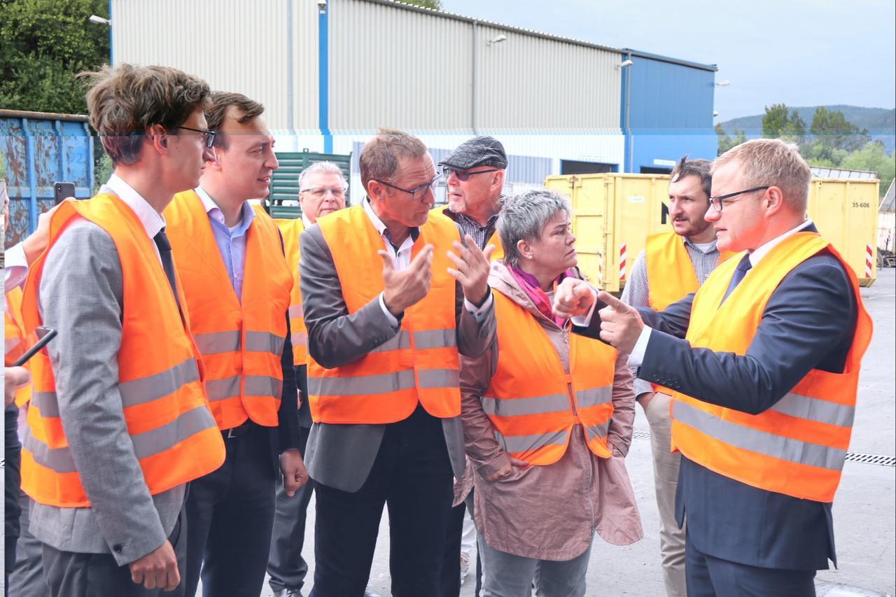Paul Ziemiak besucht Firma Electrocycling