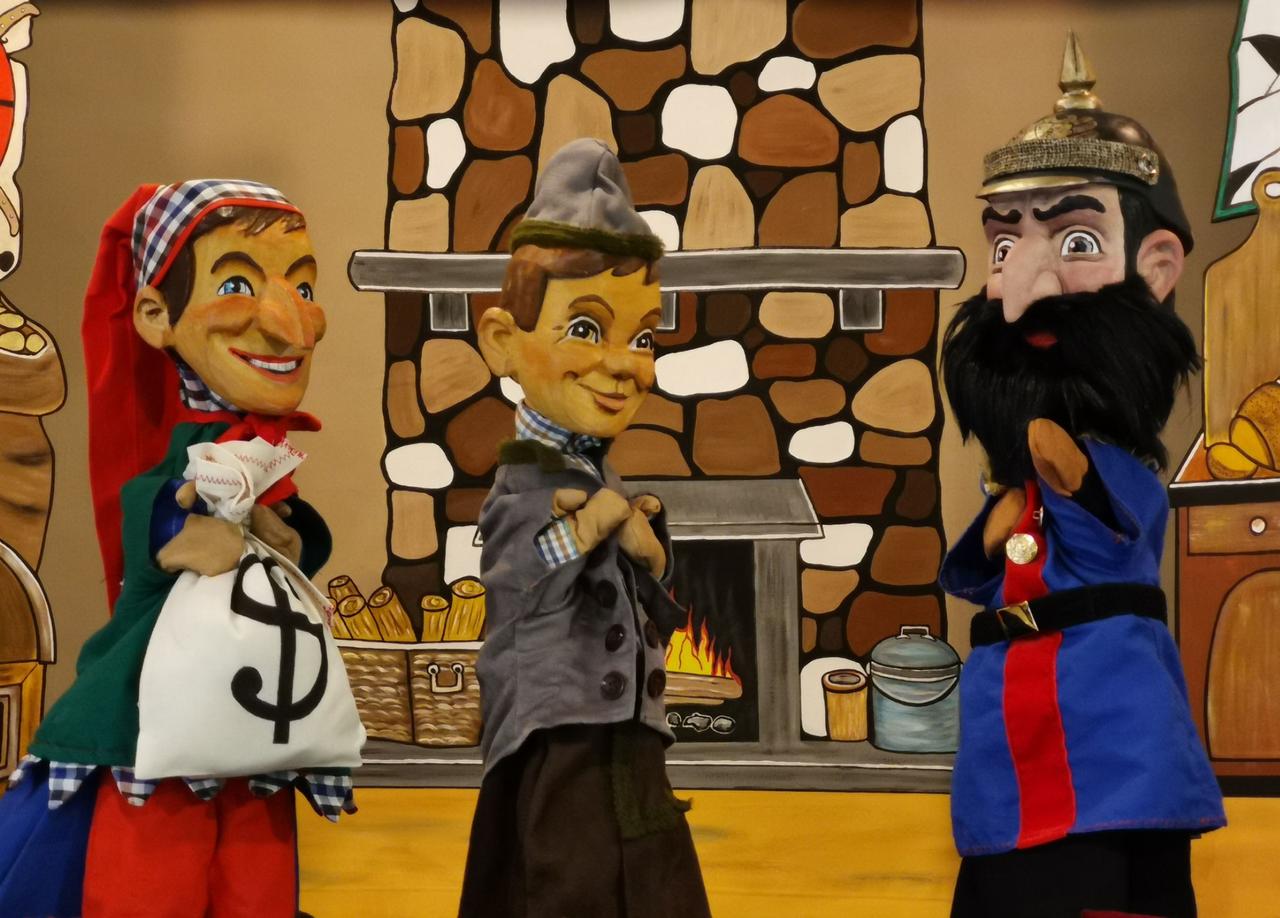 Puppentheater mit Kasperl und Seppel