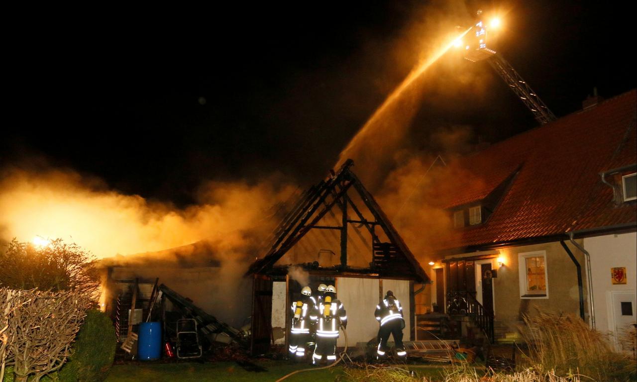 Geldstrafen nach Attacken auf Feuerwehr