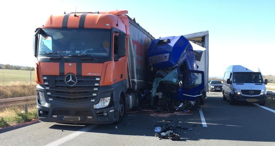 Schwerer Lkw-Unfall auf der B 6