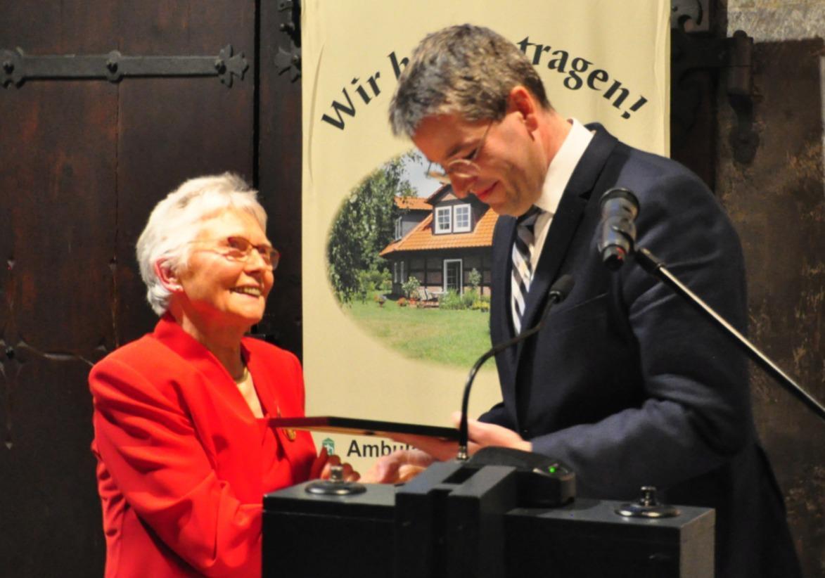 Ehrennadel für Barbara Trumpfheller
