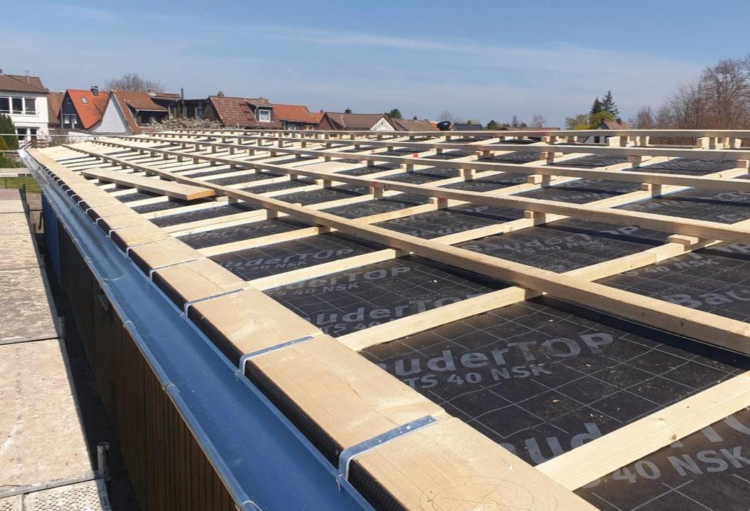 Neues Dach fürs Vereinsheim