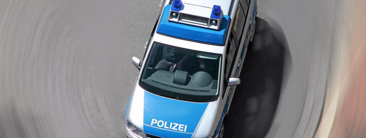 Verfolgungsjagd: Polizei mit Mittelfinger gegrüßt
