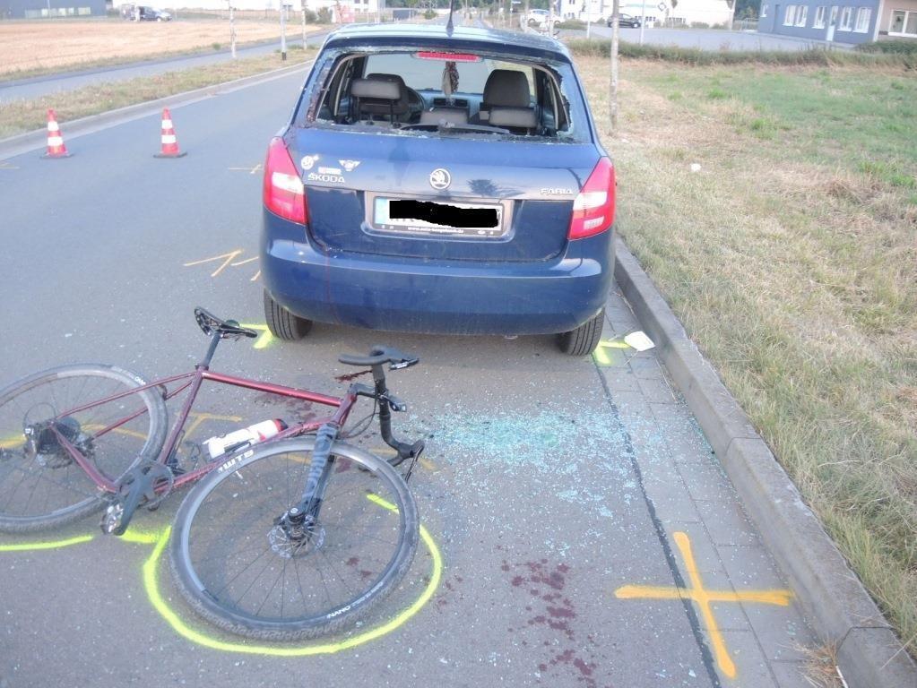 23-Jähriger mit Rennrad schwer verunglückt