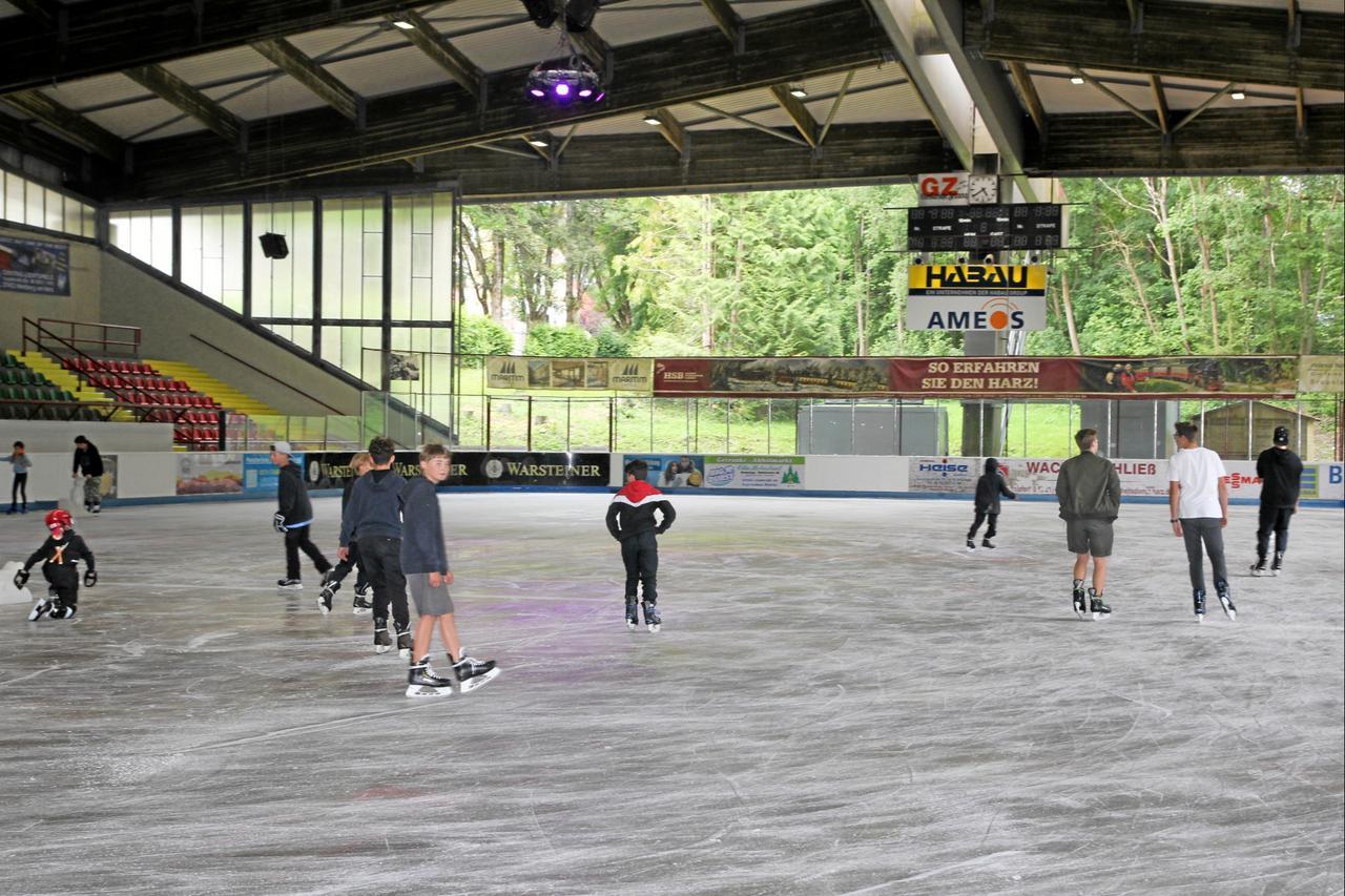 Eisstadion öffnet am Samstag wieder