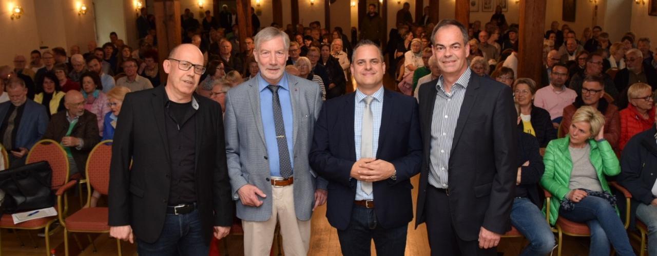 Bürgermeister-Kandidaten auf GZ-Podium