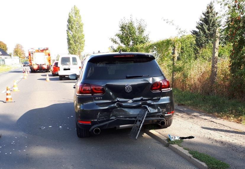 Heftiger Unfall mit Domino-Effekt