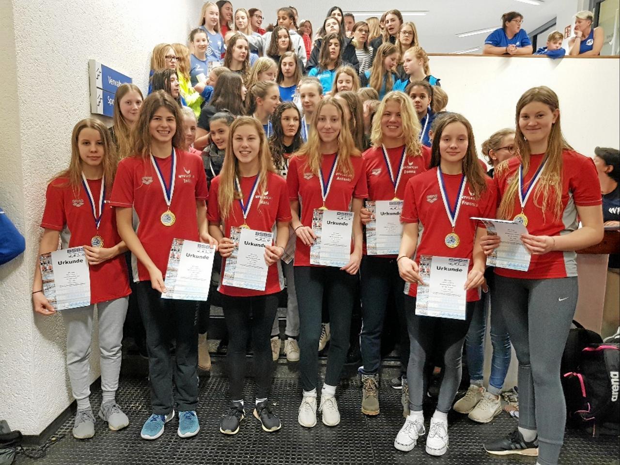 Schwimmerinnen des MTV Goslar steigen auf