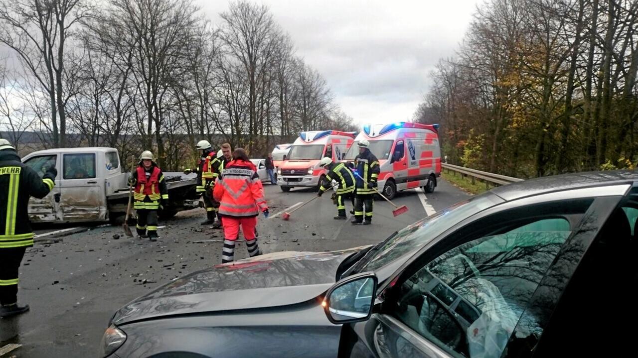 Fünf Verletzte und 30.000 Euro Schaden