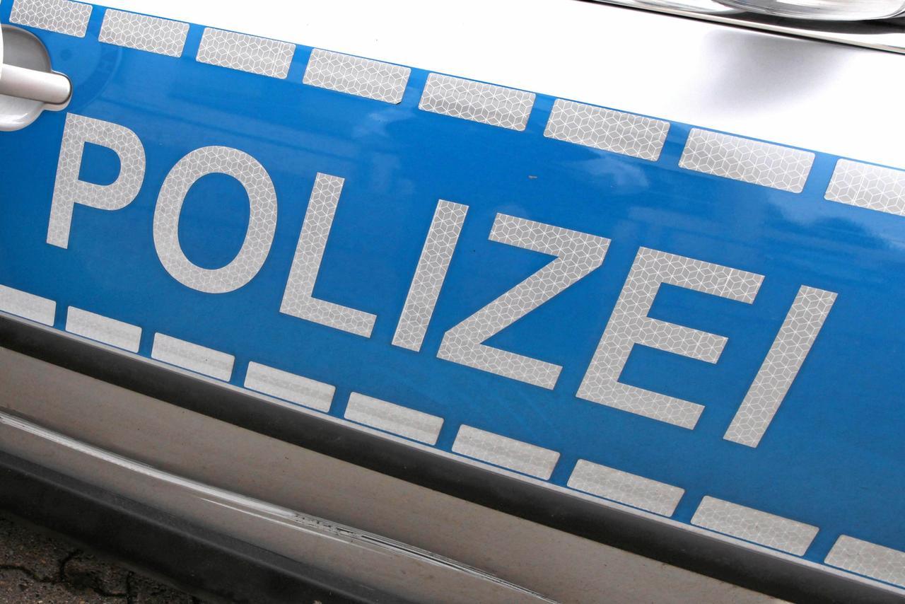 Falscher Polizist ruft Frauen an