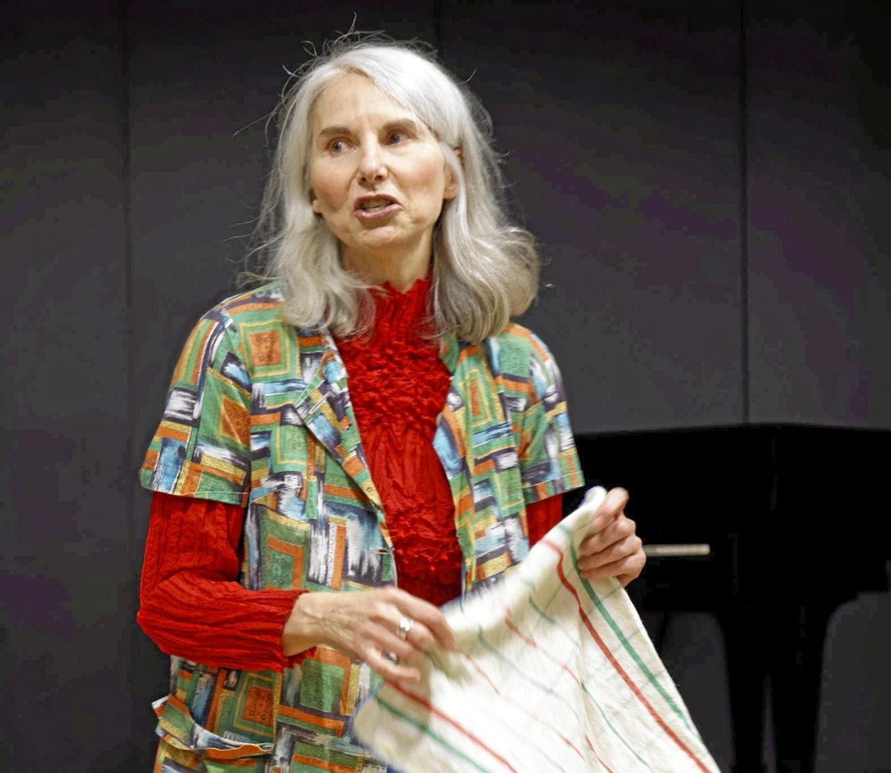 Kabarettistin Ruth Gaidas sorgt für Lacher