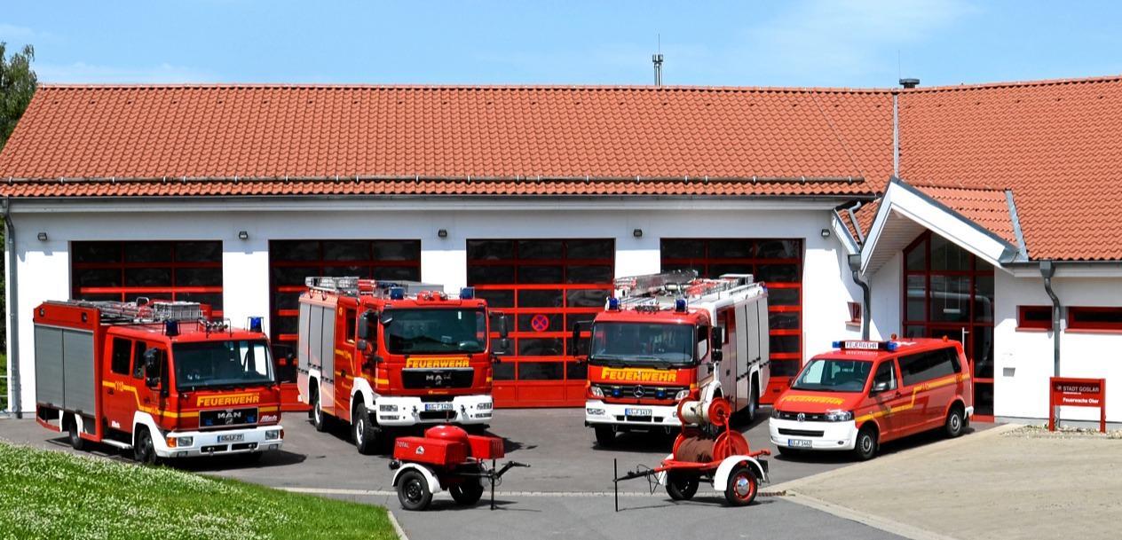 Feuerwehrauto bei der Spurensicherung