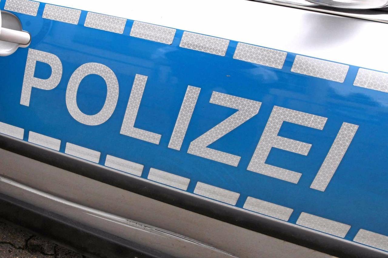 Zwei Leichtverletzte und 8000 Euro Schaden