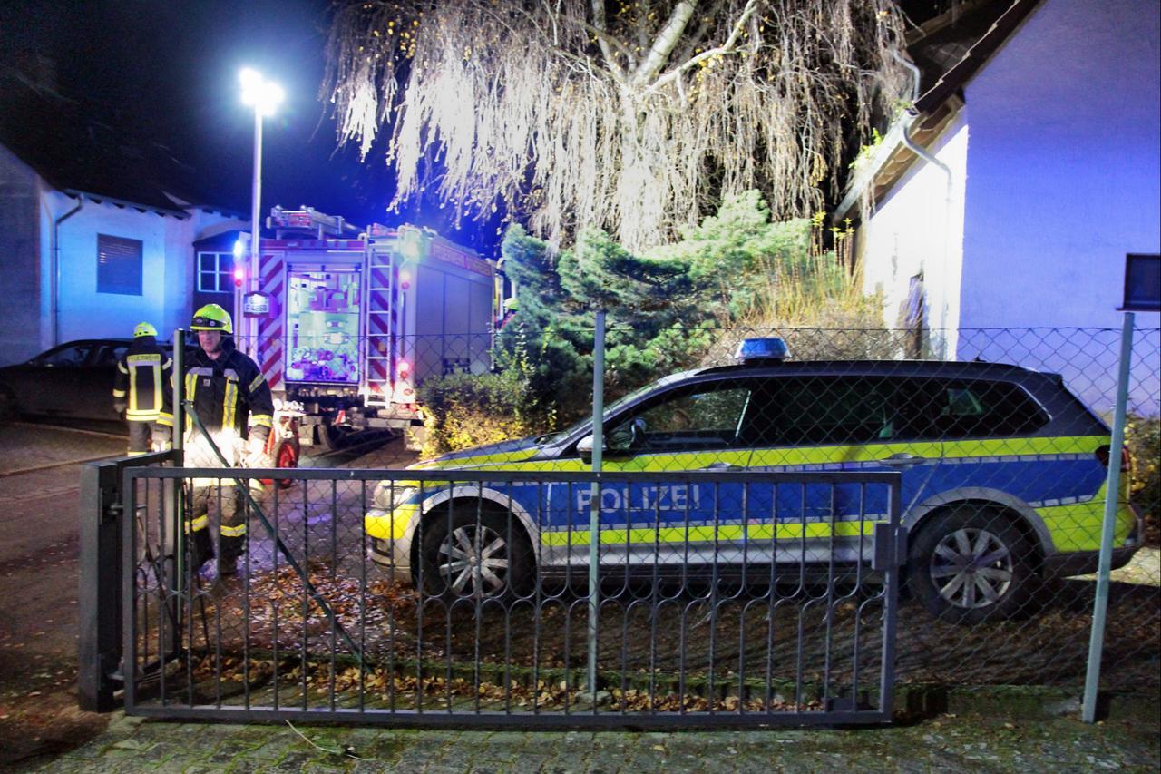 Zwei Tote nach Notfall-Türöffnung entdeckt