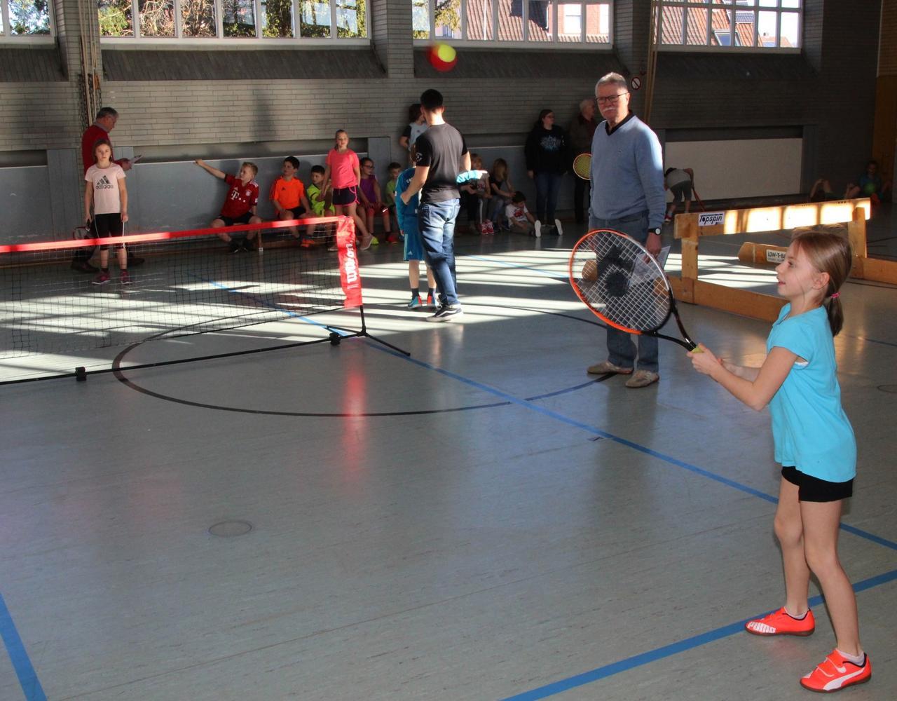 Schultenniscup in der Kurt Klay Grundschule