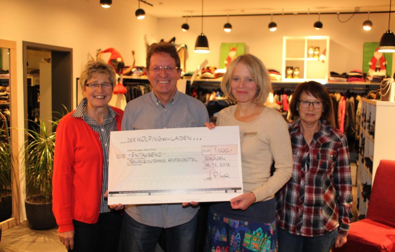 1000-Euro-Spende für das Frauenhaus