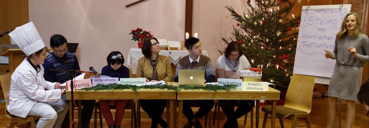 Methodisten spielen modernes Krippenstück
