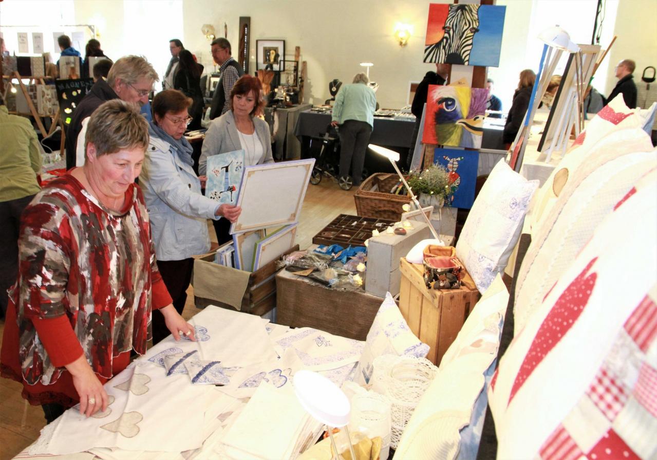 Kunsthandwerkermarkt im Schloss