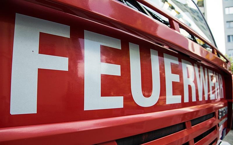Brand in Einfamilienhaus: Zwei Verletzte
