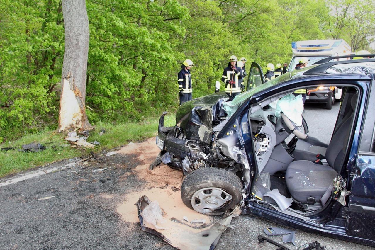 Autofahrer stirbt an der Unfallstelle