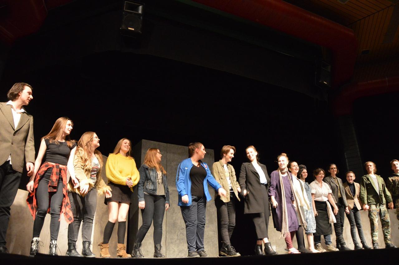 """32 Mitwirkende bei """"Andorra"""" am CvD"""