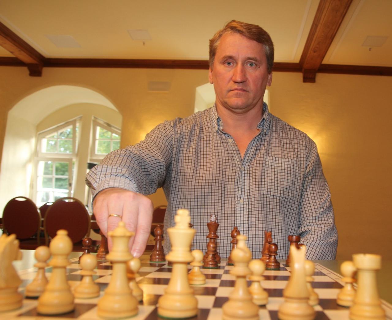 Oleg Korneev gewinnt das Turnier