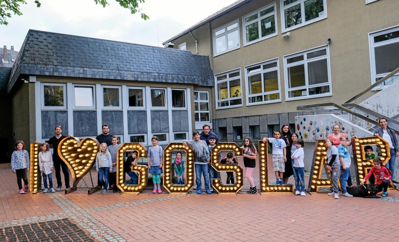 Schillerschule wächst im Archiv