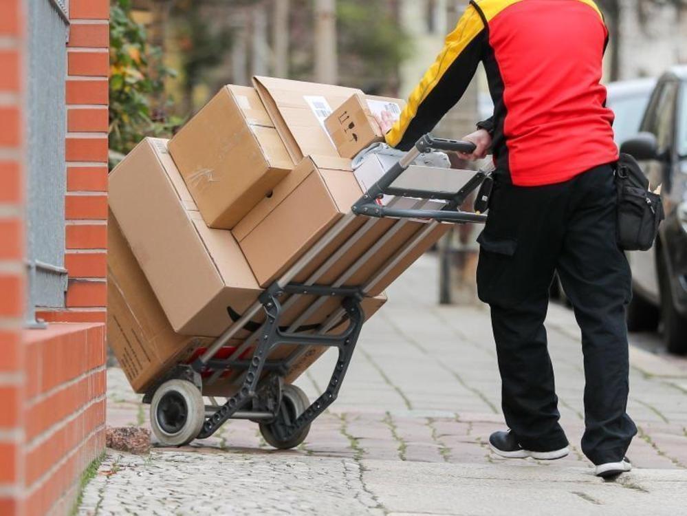 DHL mit weiter steigenden Paketmengen