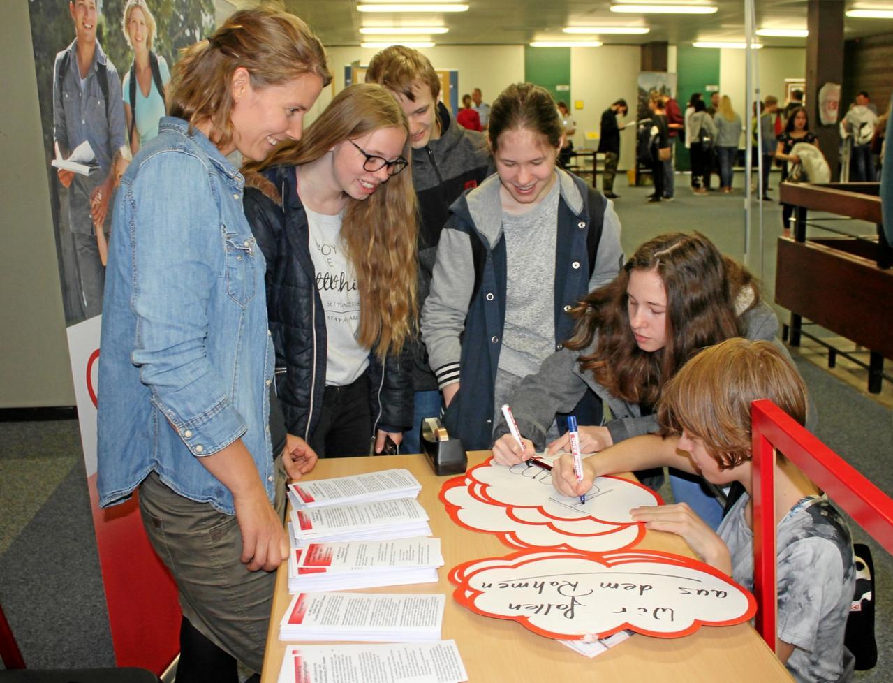 Schüler treffen auf Betriebe