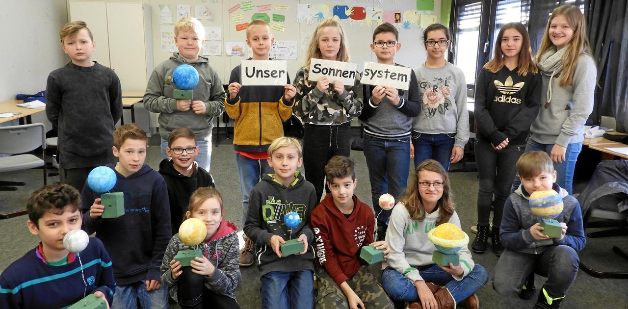 55 Grundschüler forschen und lernen
