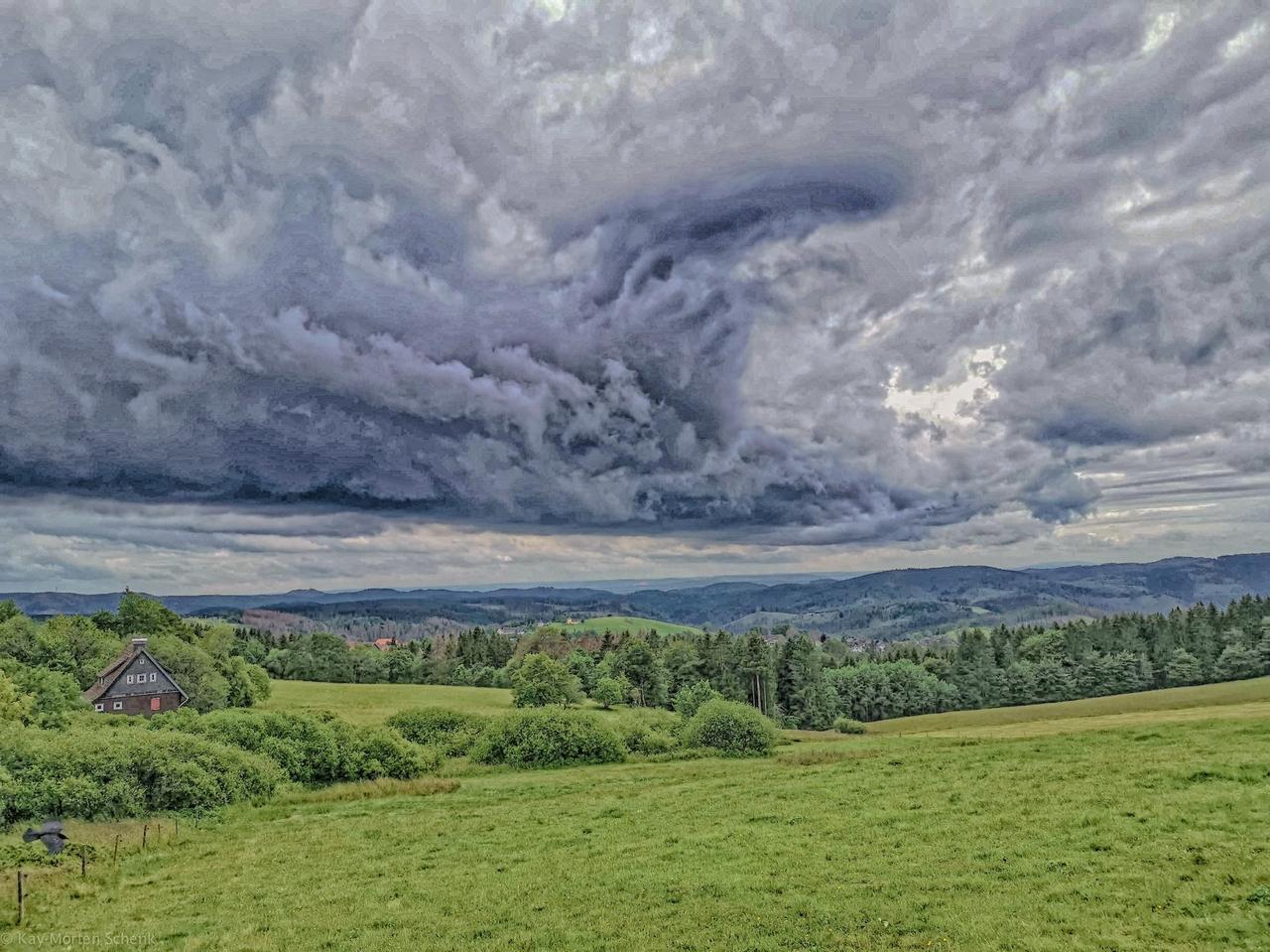 Sonne und Wolken: fifty-fifty