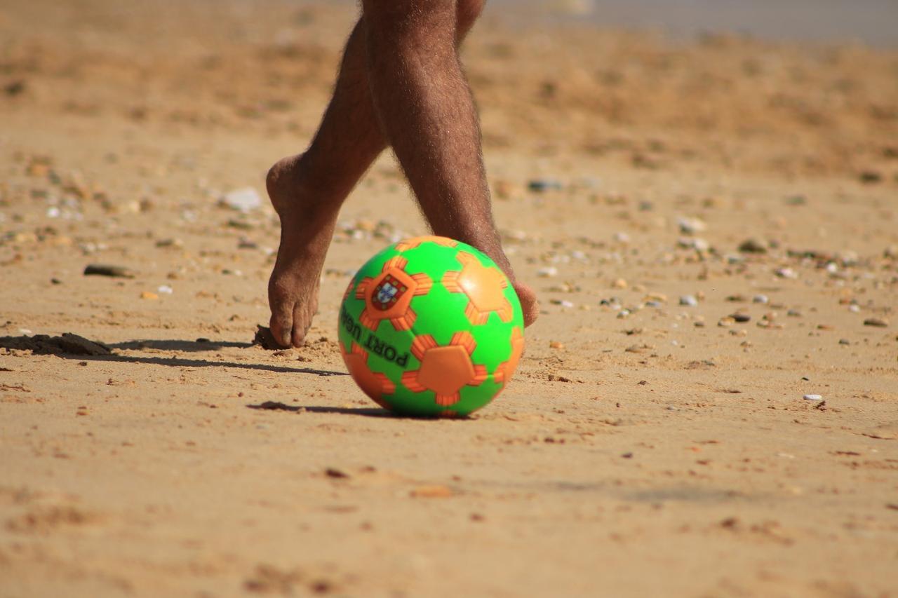 Beach-Soccer-Turnier im Schladener Freibad
