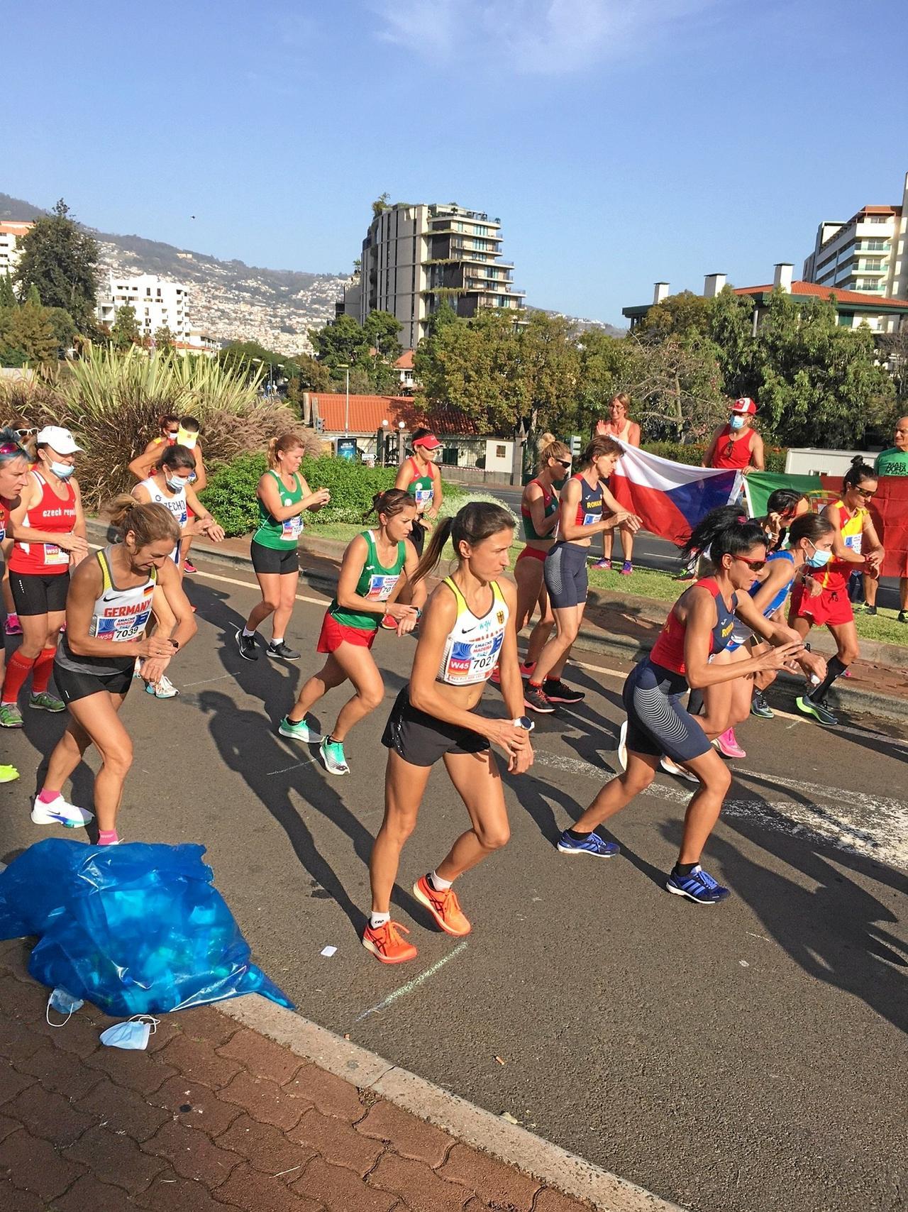 Miriam Paurat läuft zu zwei Goldmedaillen
