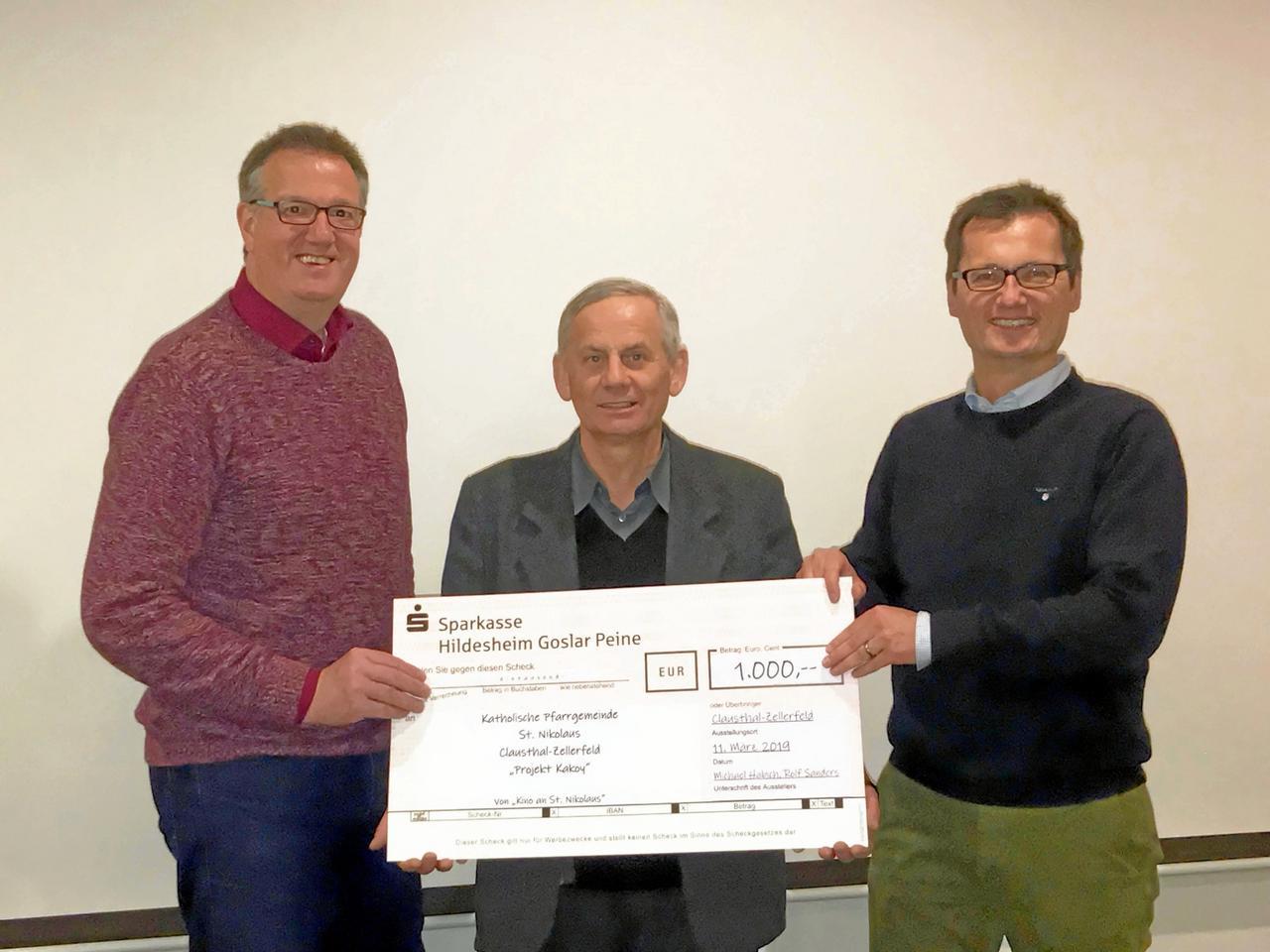 1000-Euro-Spende für Krankenhausprojekt