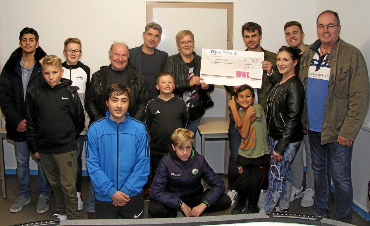 1000-Euro-Spende fürs Jugendzentrum
