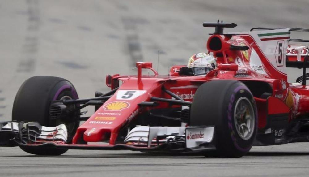 Vettel sichert Singapur-Pole