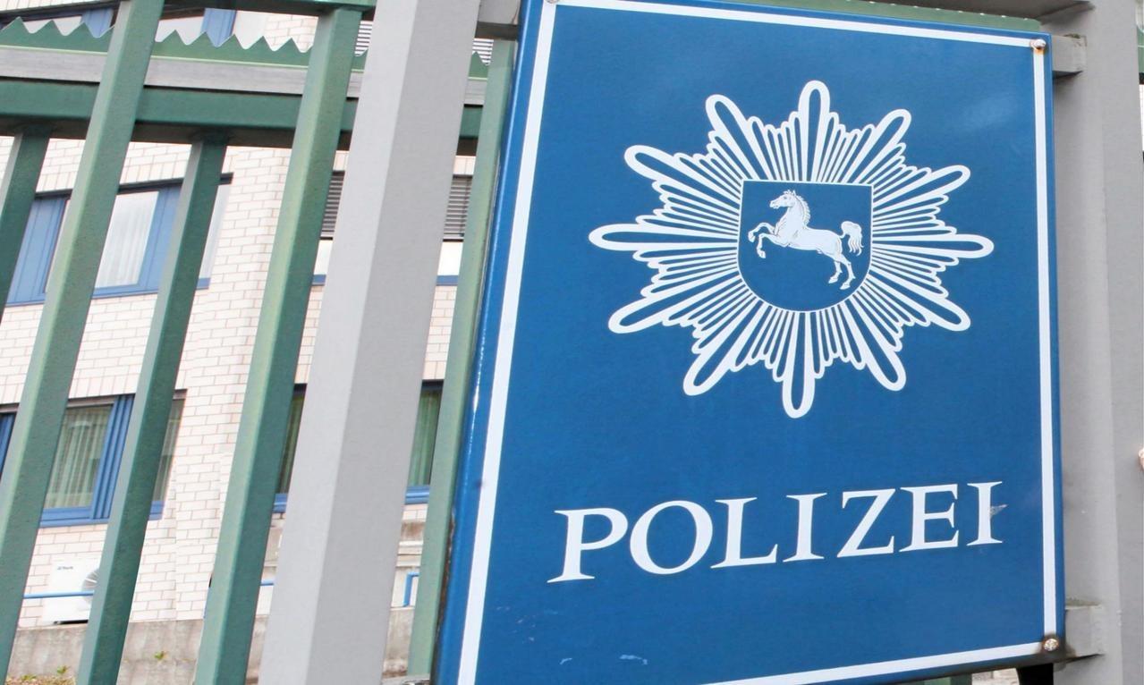Polizei entdeckt verwaisten Pkw