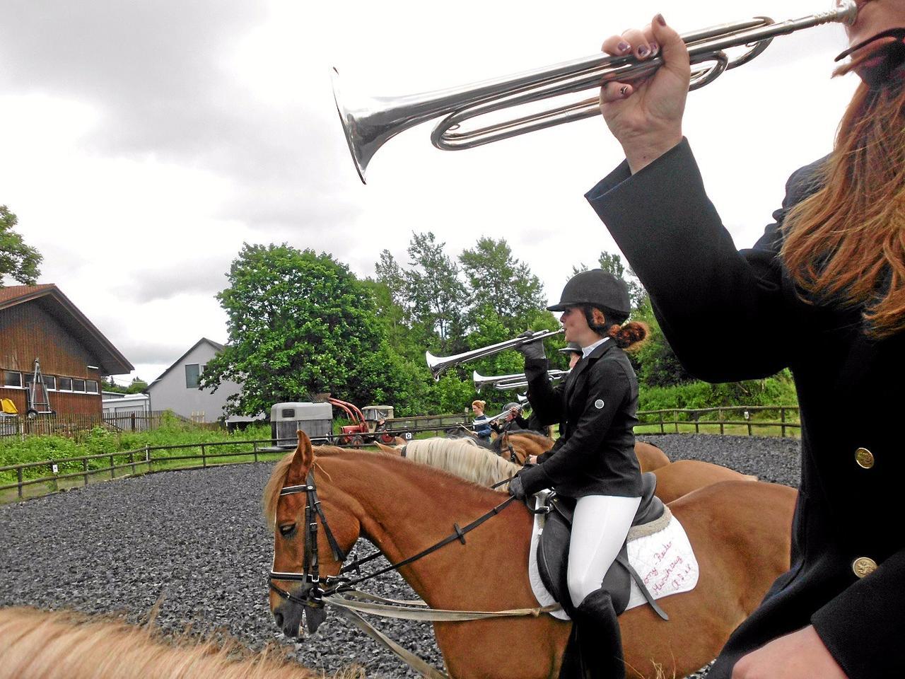 Ponyreiter-Musikzug lädt zum Sommerfest