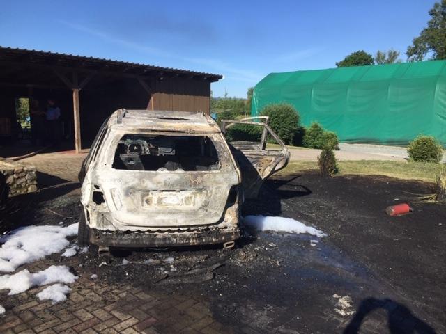 Mercedes ausgebrannt: 40.000 Euro Schaden