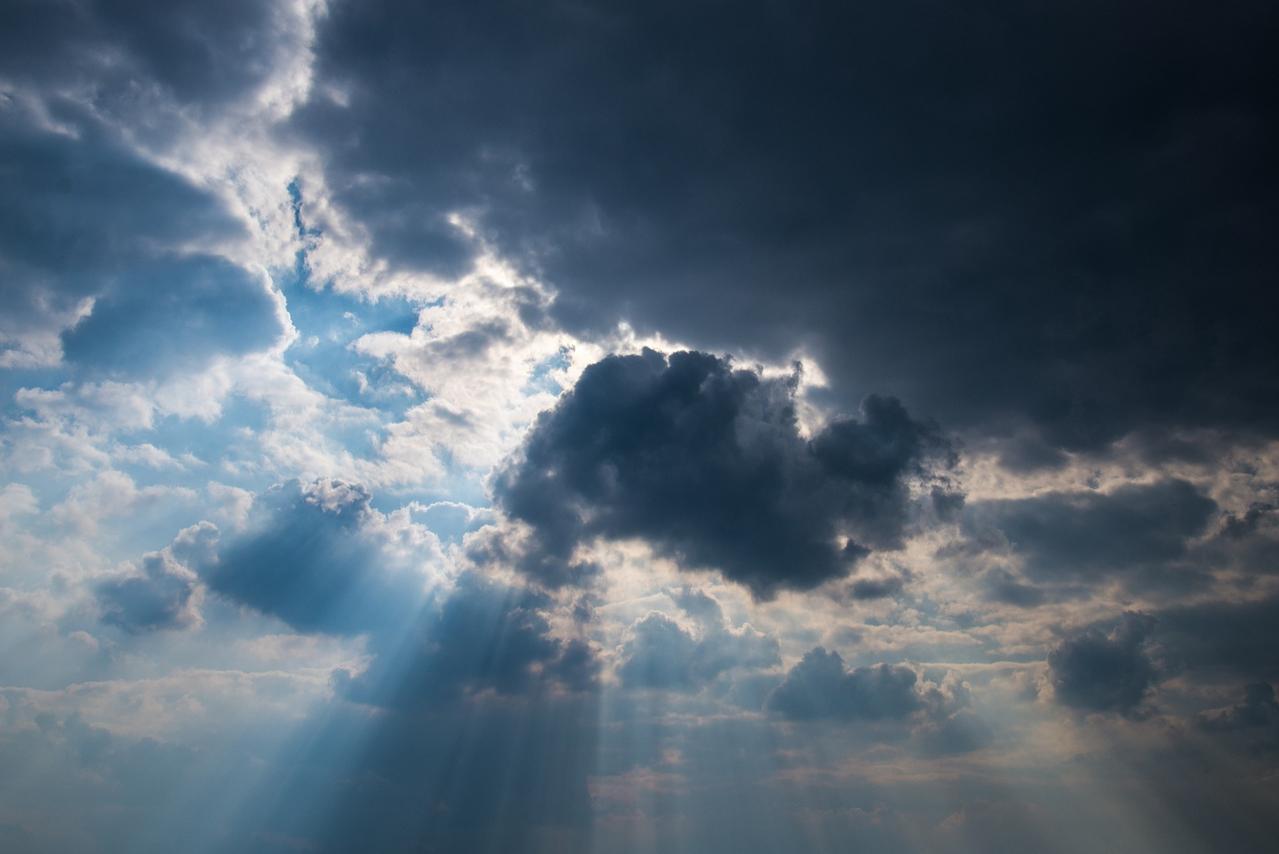 Ein Mix aus Wolken und Sonne