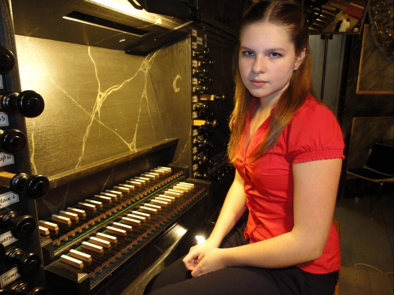 Mona Rozhdestvenskyte gibt Orgelkonzert